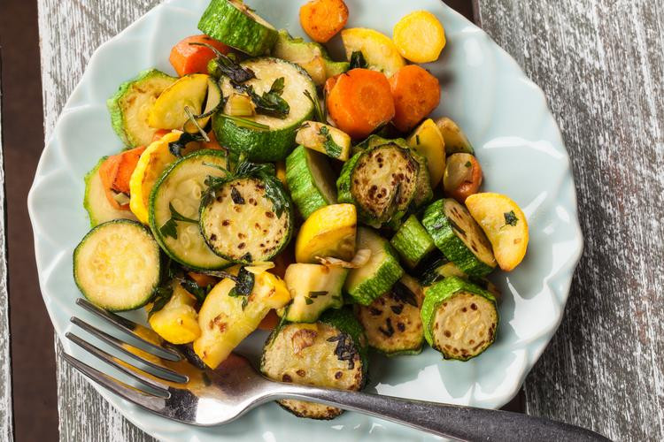 Herb-Roasted-Zucchini-and-Carrots